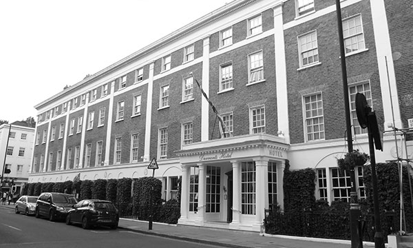 picture of the front of Durrants hotel in London